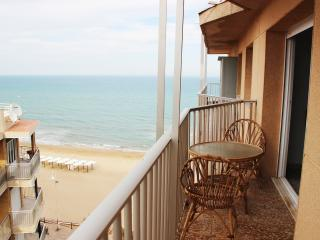 Beautiful apartment at the first beach line - Guardamar del Segura vacation rentals