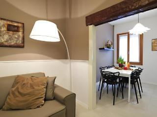 Dorsoduro House - Venice vacation rentals