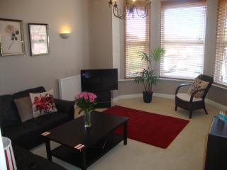 ONE BEDROOM APARTMENT - SOUTHAMPTON CITY CENTRE - Southampton vacation rentals