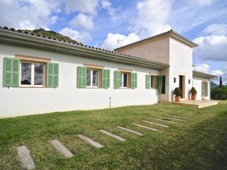 Villa Blanca Caimari - Inca vacation rentals