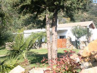La casa está situada al entrada natural parque. a - Tarifa vacation rentals