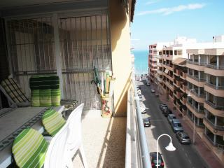 Big apartment with a terrace. 80m from the beach - Guardamar del Segura vacation rentals