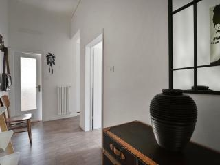 Bright Condo with Internet Access and Washing Machine - Bologna vacation rentals
