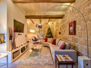 4 bedroom character house with pool - Zejtun vacation rentals