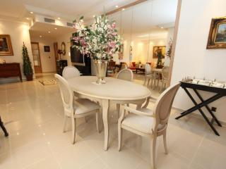 Cannes Center Luxurious 2 Bedroom Vacation Home - Cannes vacation rentals