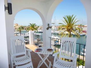 0041-BONITO APARTAMENTO CANAL PRINCIPAL - Empuriabrava vacation rentals
