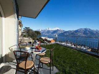 Perfect Condo with Shared Outdoor Pool and Television - Menaggio vacation rentals