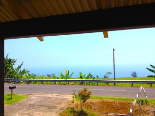 EXPLORE THE WAIPIO VALLEY  2 BDRM PLANTATION HOUSE - Kukuihaele vacation rentals