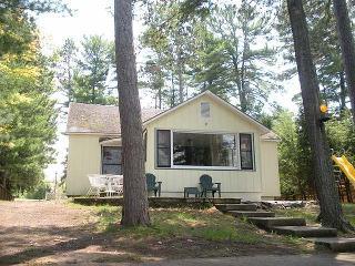 3 bedroom cottage on popular Catfish Lake - Eagle River vacation rentals