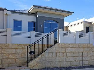 Gorgeous 3 bedroom House in Quinns Rocks - Quinns Rocks vacation rentals