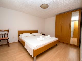 Apartment Meri A1 - Okrug Gornji vacation rentals