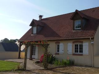 Bright 5 bedroom Doudeville Gite with Internet Access - Doudeville vacation rentals