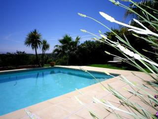 Cozy 3 bedroom Ollioules Cottage with Internet Access - Ollioules vacation rentals