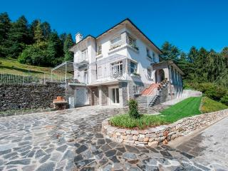 Nice House in Baveno with Internet Access, sleeps 10 - Baveno vacation rentals