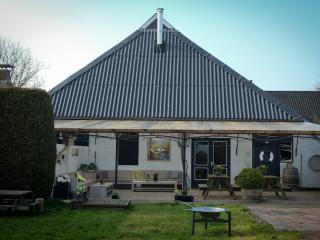 Bright 5 bedroom Guest house in Lauwersoog - Lauwersoog vacation rentals