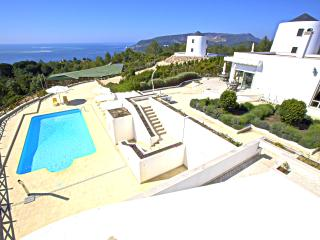 Exquisite double bedroom with sea view and pool - Setubal vacation rentals