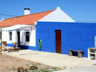 2 bedroom Cottage with Outdoor Dining Area in Porto Covo - Porto Covo vacation rentals