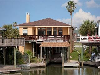 Paradise Cove is a fisherman's Abode! Boat slip available. Game Room. - Galveston vacation rentals
