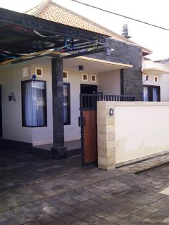 house 4 bedrooms 3 bathrooms full furnished bali - Denpasar vacation rentals