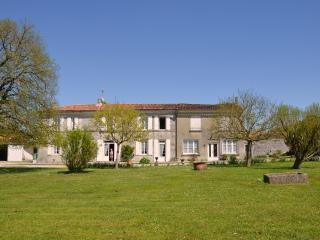 Nice House with Garden and High Chair - Perignac vacation rentals