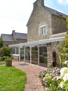 Nice Gite with Dishwasher and Kettle - Saint-Cast le Guildo vacation rentals