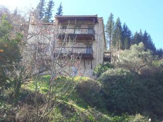 Bright 4 bedroom Mystras Guest house with Internet Access - Mystras vacation rentals