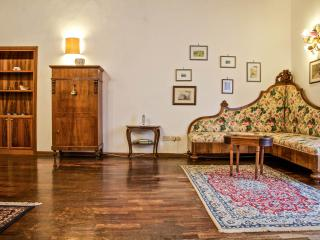 APPARTAMENTO IN VILLA TOSCANA - Siena vacation rentals