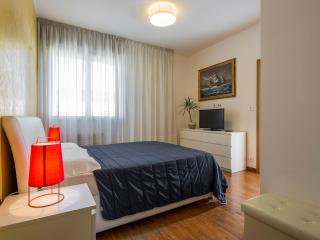 tonys place panoramica suite con garage - Bologna vacation rentals