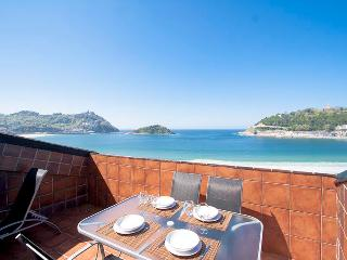 Cozy 2 bedroom Condo in San Sebastian - San Sebastian vacation rentals