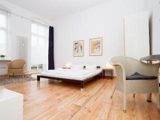 City Apartment 7 Prenzlauer Berg - Berlin vacation rentals
