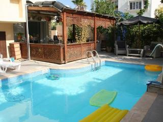 One bedroom flat with a pool in Ashdod - Ashdod vacation rentals