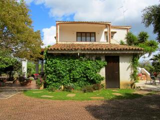 Country charming apartment: relax, sea, culture - Ribera vacation rentals