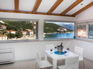 Apartment Mali Skoj - Two-Bedroom Apartment with Sea View - Sudurad vacation rentals