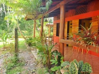 Casa Vida Loca,tropical gem.Close to beach - Puerto Viejo de Talamanca vacation rentals