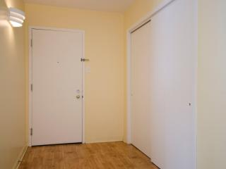 Roomy & Sunny near Uni. by Flatbook - Quebec City vacation rentals