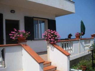 """Incantevole Panorama sulla """"Costa degli Dei"""" - Zambrone vacation rentals"""