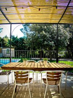 Lovely Cottage with Deck and Internet Access - Loriol-du-Comtat vacation rentals