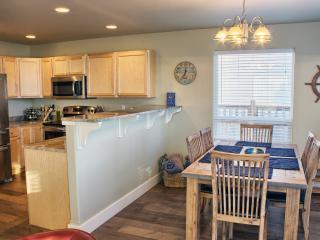 Nice 3 bedroom Ocean Shores House with Deck - Ocean Shores vacation rentals