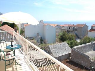 Apartment Krunic - south - Bol vacation rentals