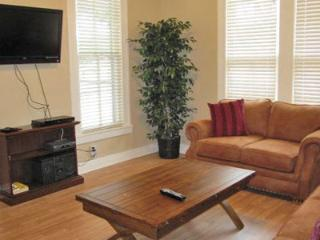 Roses Haus - 2Br/1Bth - DISCOUNTED WEEKDAY RATES! - New Braunfels vacation rentals