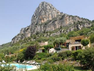 Sea View of Cote D'Azur, Superb Pet-Friendly Villa - Saint-Jeannet vacation rentals