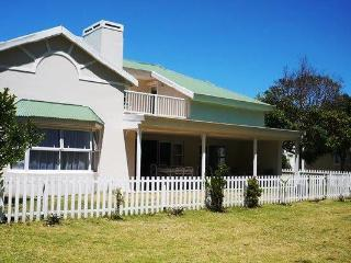 Within walking distance to the shops and central beach - Plettenberg Bay vacation rentals