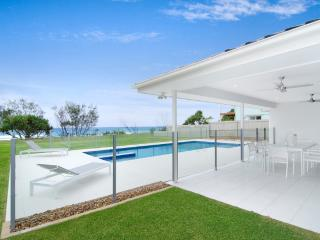 5 Bedroom Beachfront House - Sentosa at Tugun - Tugun vacation rentals