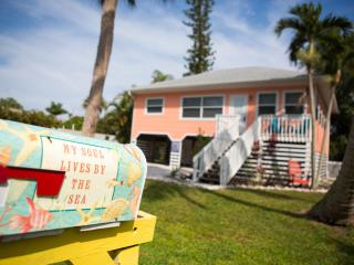 Coconut Cottage & Pool, 5 houses from the BEACH! - Fort Myers Beach vacation rentals