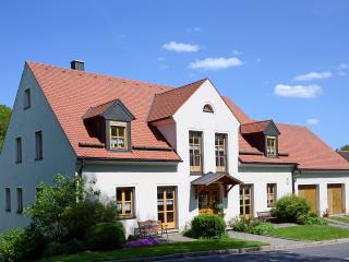 Vacation Apartment in Ploessberg - 592 sqft, 2 bedrooms, max. 4 people (# 6213) - Fuchsmuhl vacation rentals