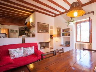 Cozy apartment on the hills of Florence with WIFI - Italy vacation rentals