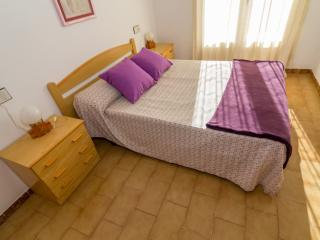 Comfortable Roses vacation Apartment with Television - Roses vacation rentals