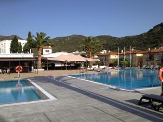 Rescator Resort 118 - Roses vacation rentals