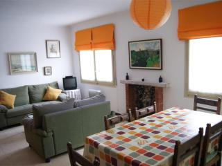 Cozy 2 bedroom Roses Apartment with Television - Roses vacation rentals