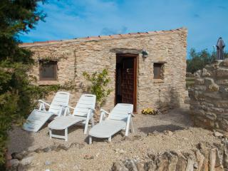 Cozy 2 bedroom Cottage in Torredembarra with Internet Access - Torredembarra vacation rentals